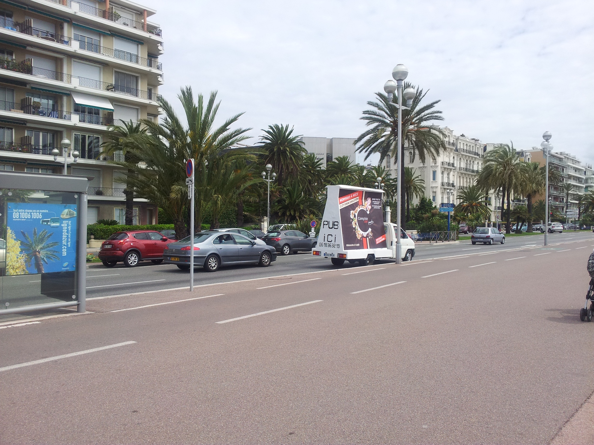 publicit mobile lyon camion publicitaire marseille street marketing. Black Bedroom Furniture Sets. Home Design Ideas