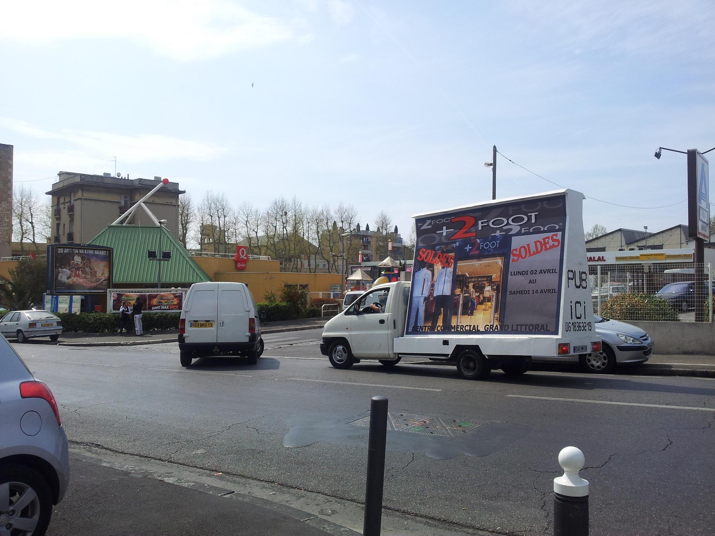 publicit urbaine nice camion publicitaire marseille street marketing. Black Bedroom Furniture Sets. Home Design Ideas