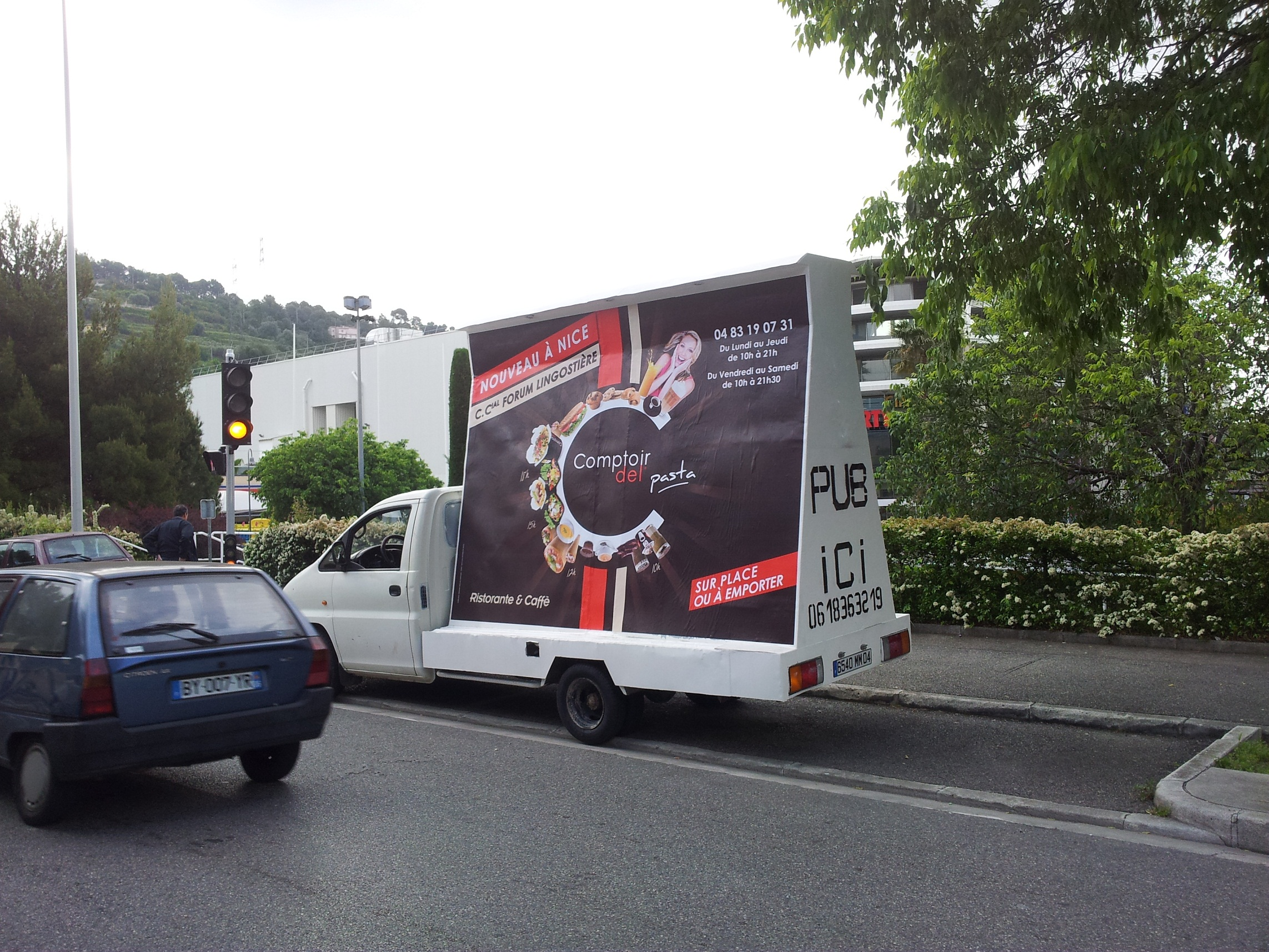 affichage mobile toulon camion publicitaire marseille street marketing. Black Bedroom Furniture Sets. Home Design Ideas
